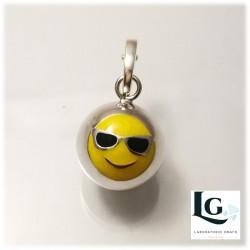 Small Ball con Occhiali da sole